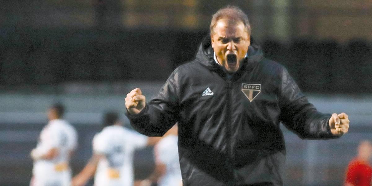 São Paulo vence e assume a liderança do Campeonato Brasileiro