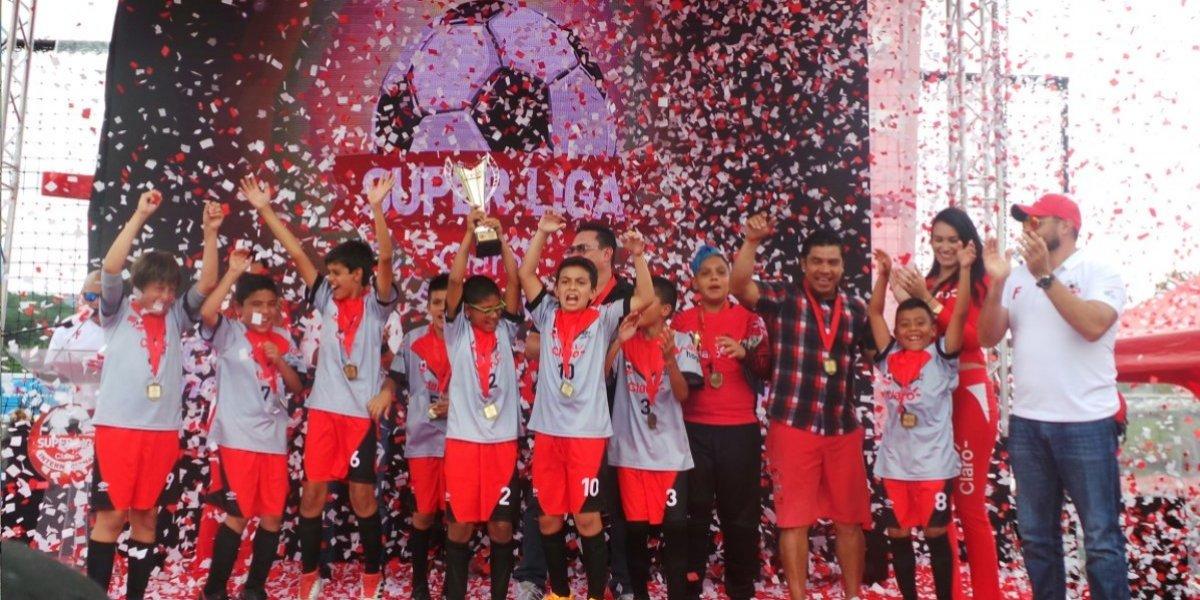 Academia Soccer Club y Tecún Sport Guatemala conquistan las finales nacionales de la Súper Liga Claro