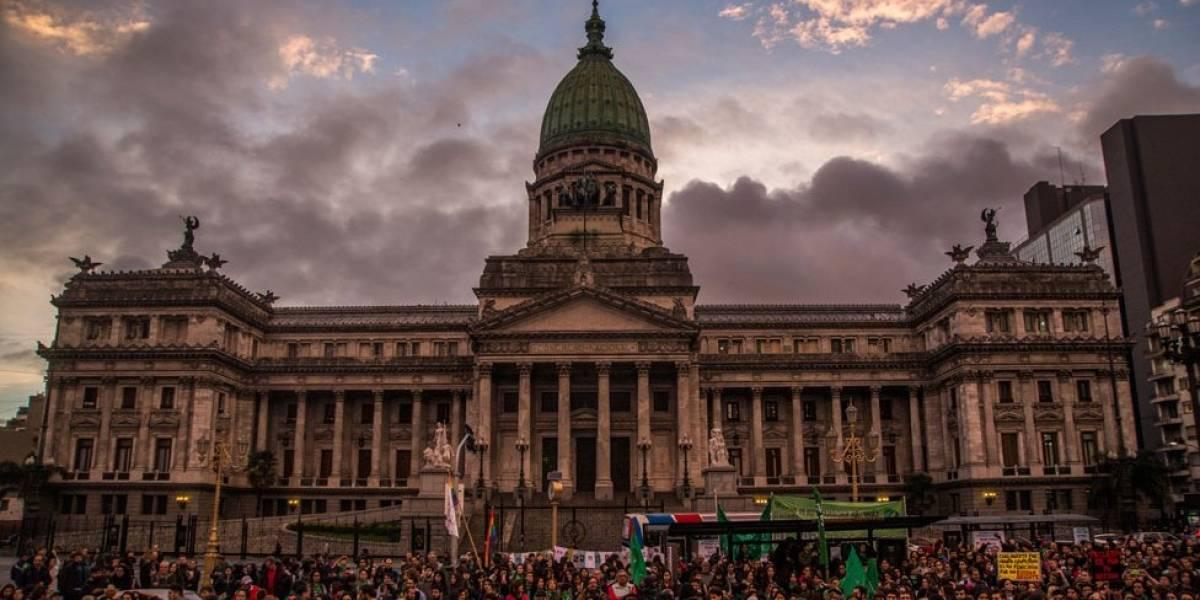 Aborto en Argentina: cómo es ahora y qué es lo que puede cambiar con la ley que tanto divide al país