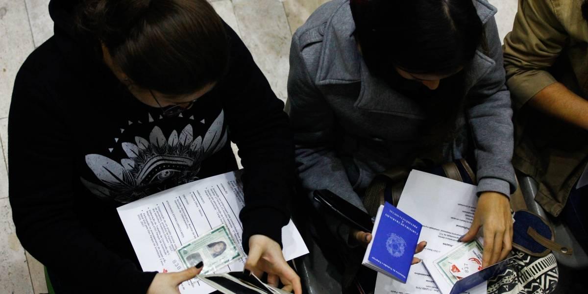 Número de desempregados tem leve queda e taxa de informalidade cresce 41%, mostra IBGE