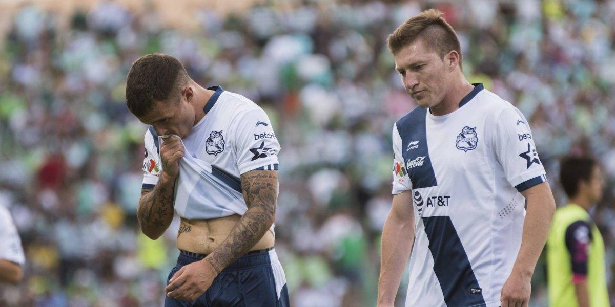 Detienen a futbolistas del Puebla por no pasar el alcoholímetro