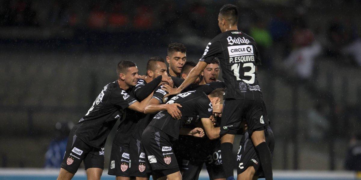 Pumas es electrocutado por los Rayos del Necaxa, en la Copa Mx