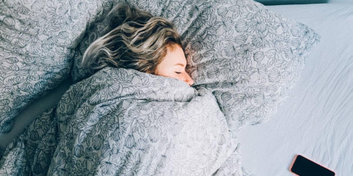 """Estudio alerta a los """"buenos para la pestaña"""": dormir más de 8 horas te podría provocar la muerte a muy corta edad"""