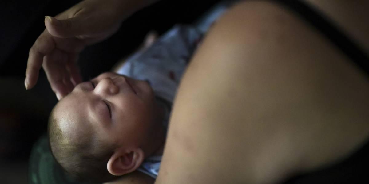 Uno de cada 7 bebés de madres con zika tienen problemas de salud