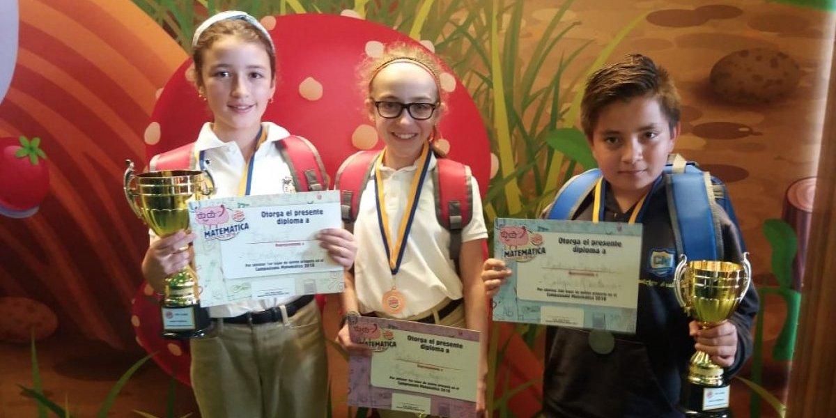 Burger King premió a los alumnos destacados del Campeonato de Matemática 2018