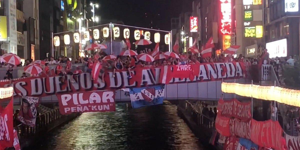Osaka parecía Avellaneda: hinchas de Independiente realizaron emocionante banderazo en Japón