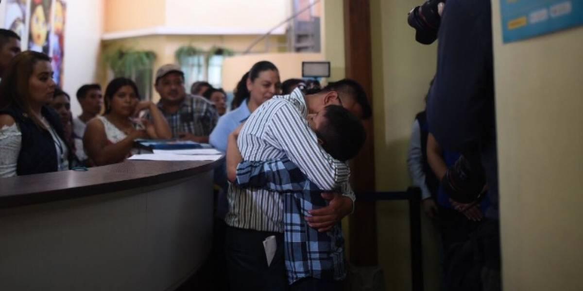 Llegan al país 16 menores guatemaltecos retornados desde México y Estados Unidos
