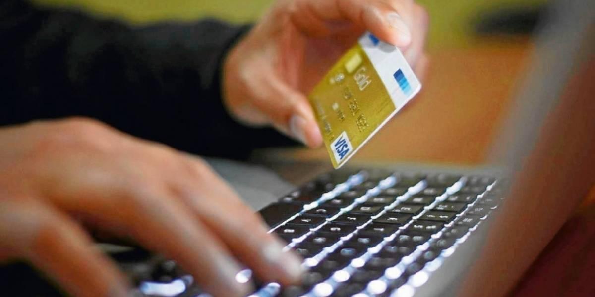 Acusan a Facebook de pedir datos de clientes bancarios y estalla nueva polémica