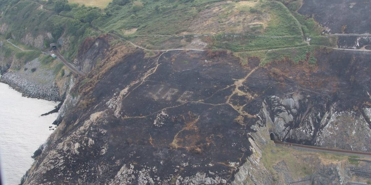 El curioso mensaje de la Segunda Guerra Mundial que quedó al descubierto tras incendio en Irlanda