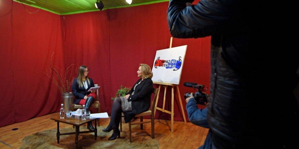 Joven con Síndrome de Down se tituló como locutora tras emotiva entrevista a Cecilia Morel