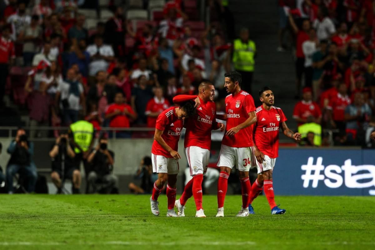 Nicolás Castillo's Benfica beat Fenerbahce of Mauricio Isla in the Champions League