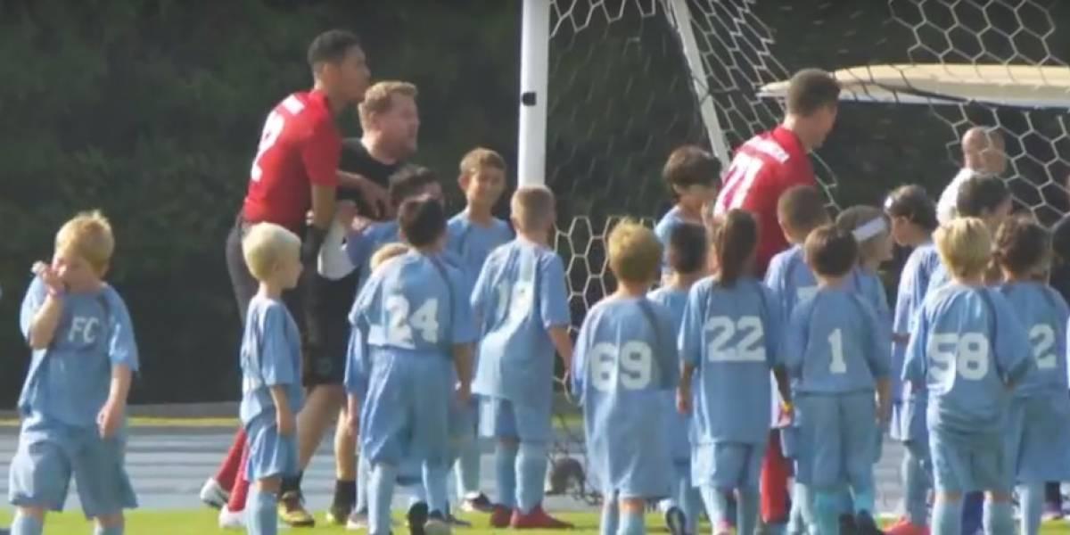 Manchester United se enfrenta contra 100 niños