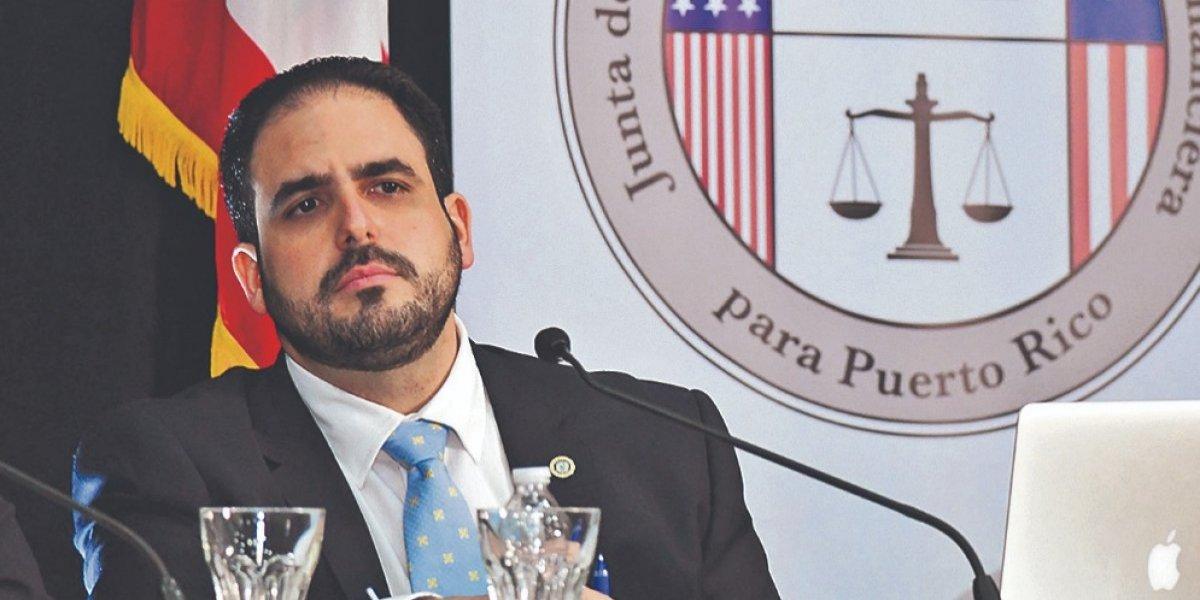 Sujeto a la Junta y Tribunal de Quiebra acuerdo para reestructurar el BGF