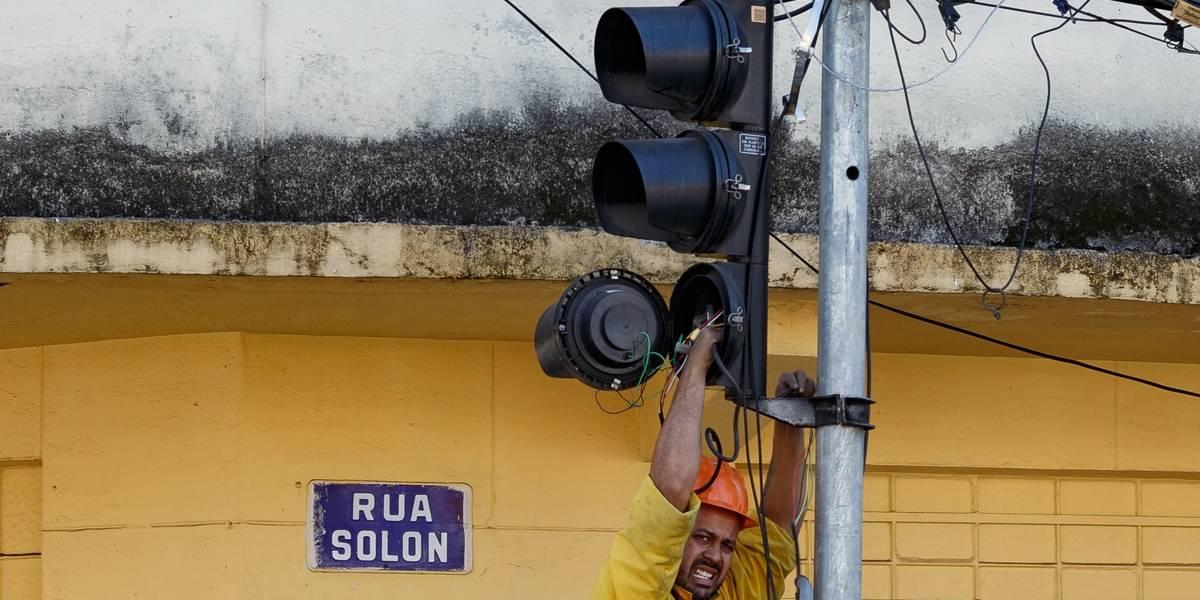 Atos de vandalismo contra semáforos dobram na cidade de São Paulo