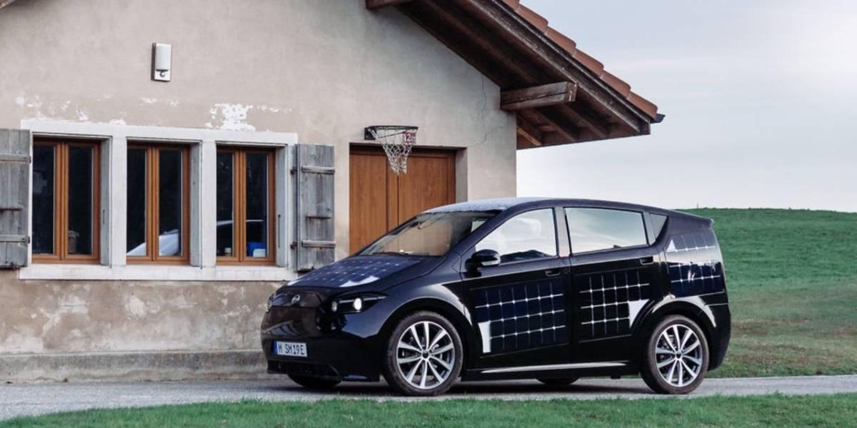 Una startup alemana desarrolló un coche solar que se carga mientras se conduce