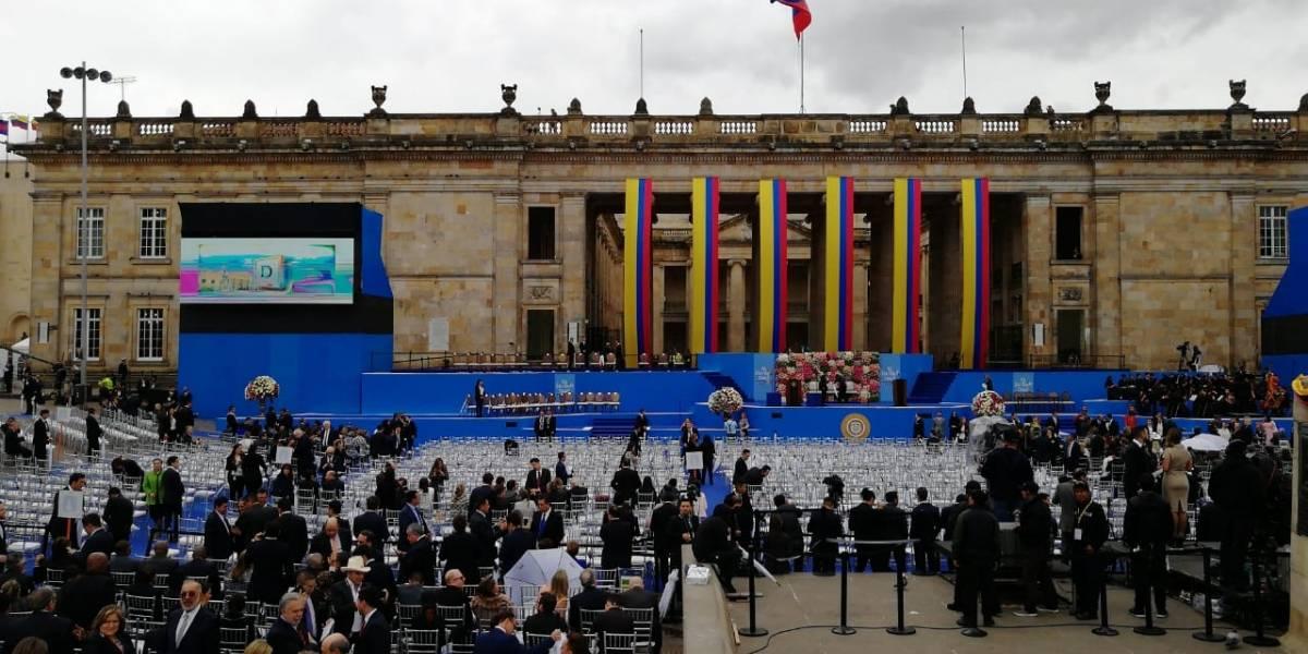 ¡El clima no les ayuda! El viento está tumbando parte del escenario instalado para la posesión de Iván Duque