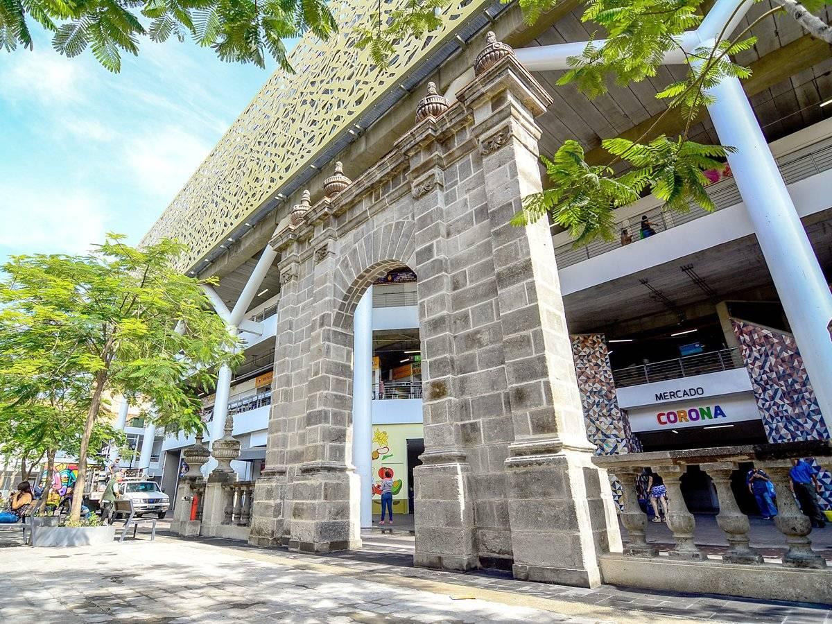Regresa el arco al Mercado Corona, un símbolo distintivo
