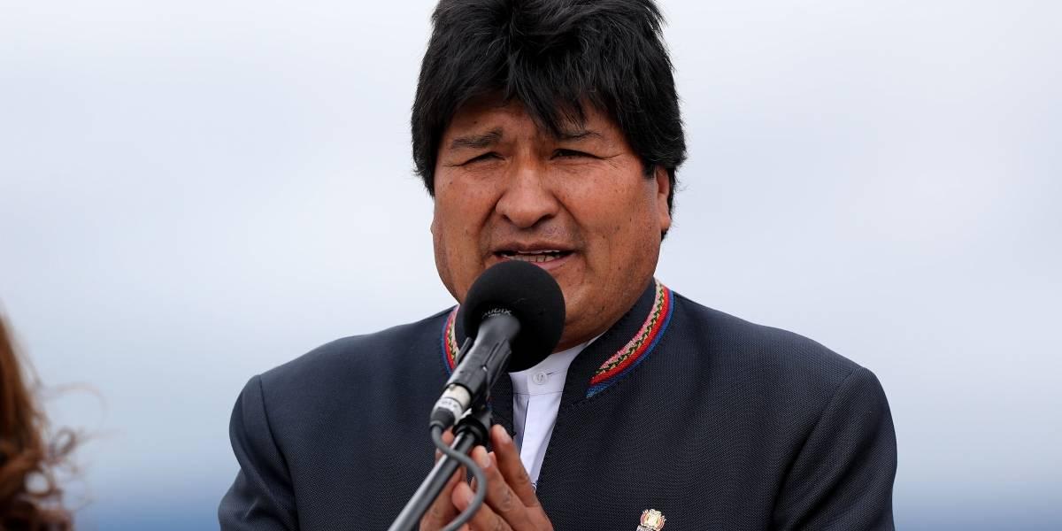 Militar se fue de fiesta a burdel y le robaron la banda presidencial de Evo Morales