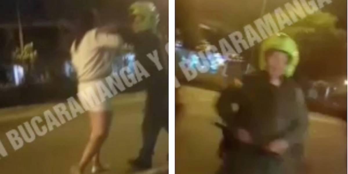 Video: Patrullero habría golpeado mujer en una requisa