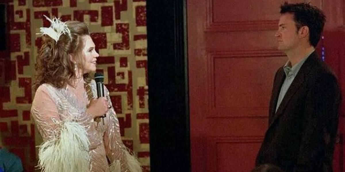 Friends: Kathleen Turner revela que não foi bem recebida por elenco da série