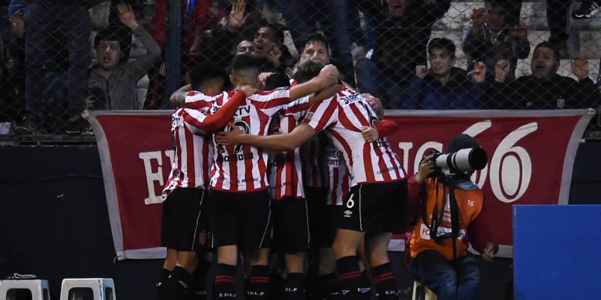Estudiantes da el primer golpe en octavos al vencer al campeón de la Copa Libertadores