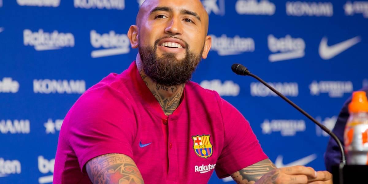 """En Barcelona destacan que Vidal haya caído en gracia con Messi y los """"pesos pesados"""" del camarín"""