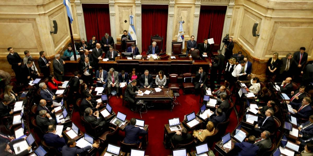 Argentina somete a votación la legalización del aborto