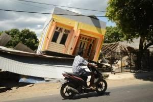 terremotoindonesia2-ee356be4d45a8775309f3e9d798d5d6a.jpg