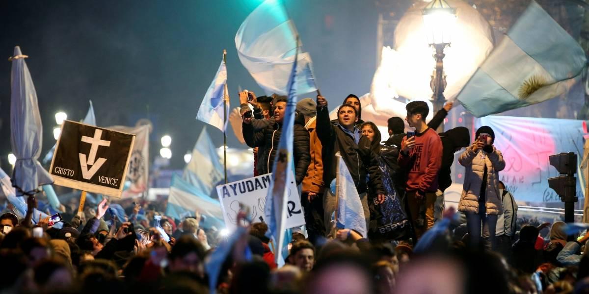 Senado da Argentina rejeita projeto de lei para descriminalizar o aborto