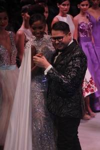 Douglas Tapia y Yaritza Reyes