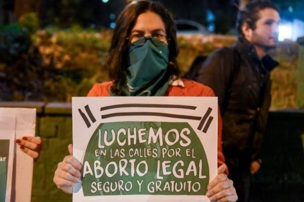Activistas por el aborto legal en Argentina