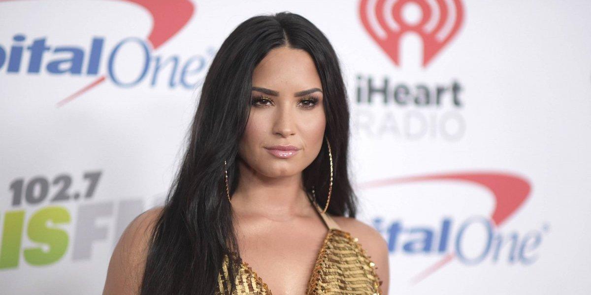 Lovato cierra su Twitter tras burlarse de rapero