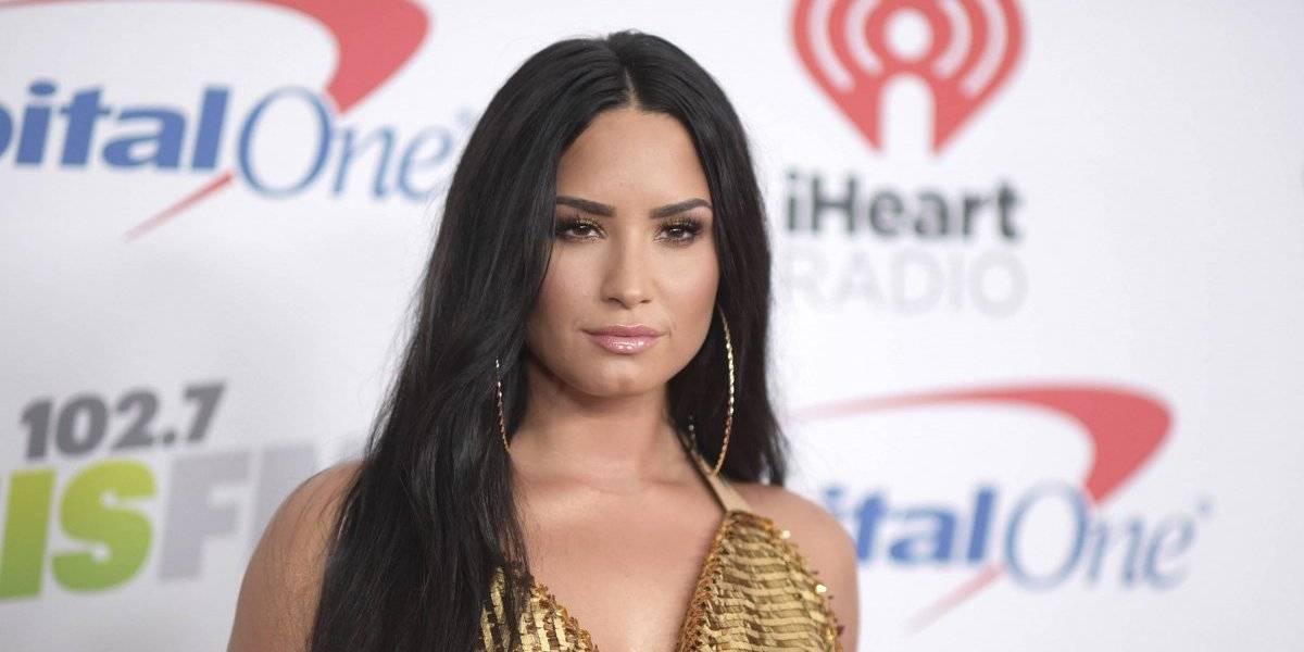 Demi Lovato sorprende con candentes fotos al natural y semidesnuda