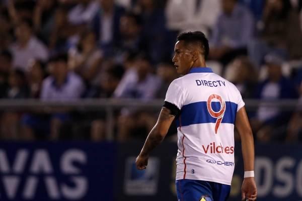 Andrés Vilches cuenta con 883 minutos jugados por la UC en el Campeonato Nacional y no registra goles / Foto: Agencia UNO