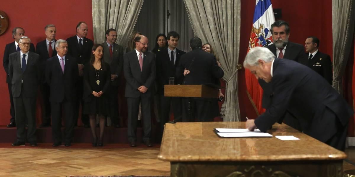 Piñera casi marca récord de cambio de gabinete más rápido: Bachelet gana por 25 días