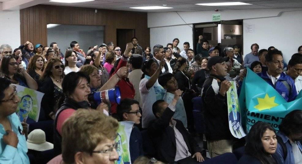 Simpatizantes de Rafael Correa protagonizan incidente con periodistas Twitter