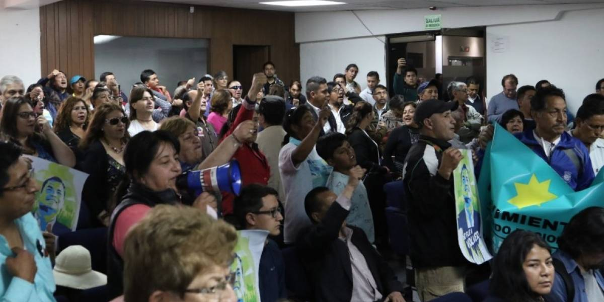 Simpatizantes de Rafael Correa protagonizan incidente con periodistas