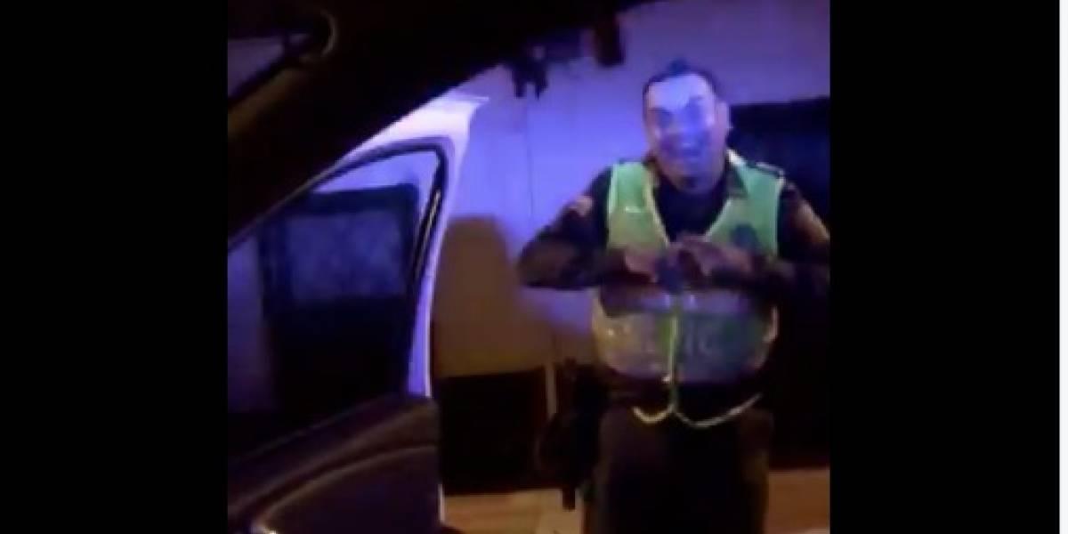 Investigan a policías que hicieron el #InMyFeelingsChallenge en patrullas
