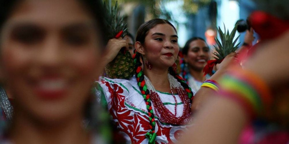 De los 25.6 millones de indígenas en México, solo 6.5% habla una lengua originaria