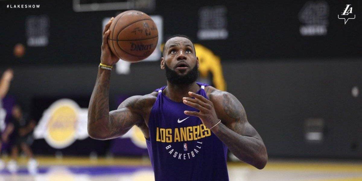Así luce LeBron James con los colores de los Lakers