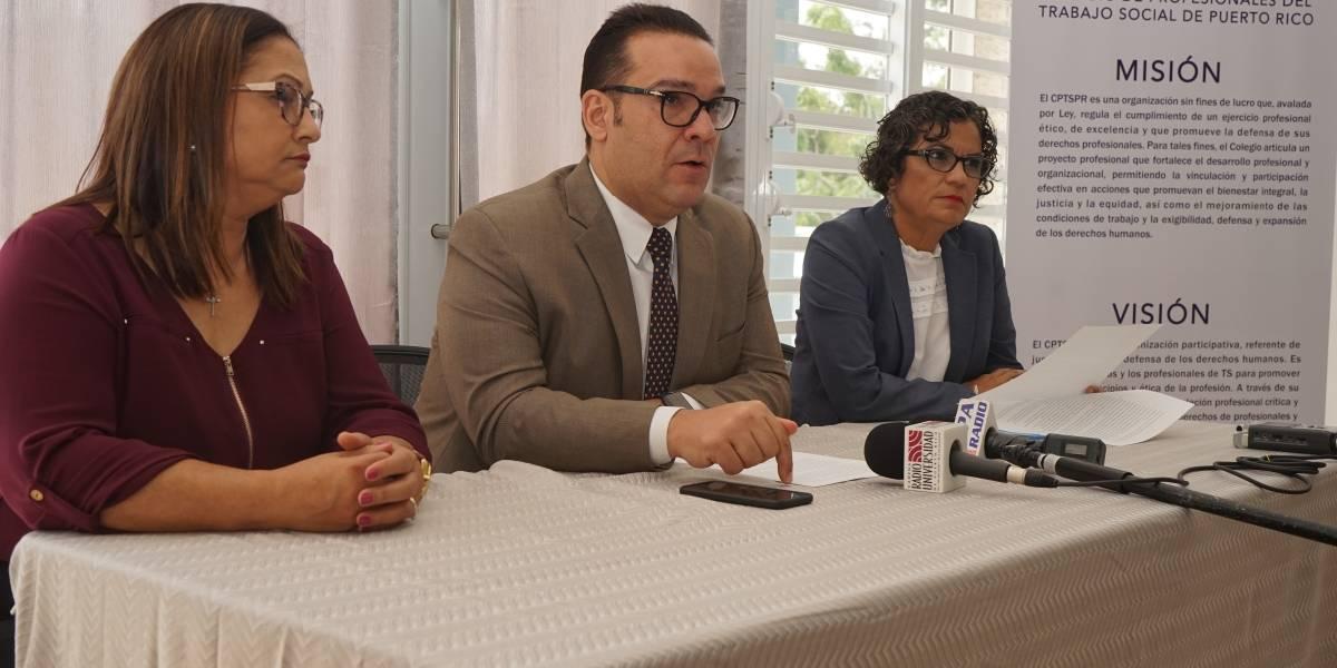 Denuncian atropello en reubicación de trabajadores sociales en Educación