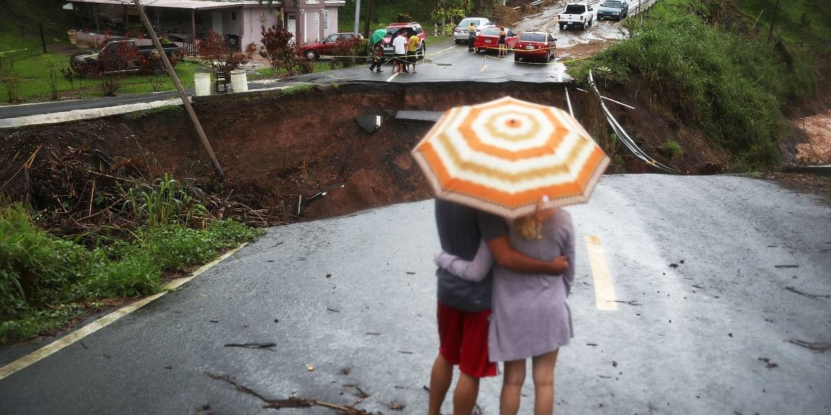 Puerto Rico corrige número de muertos por huracán María de 64 a 1,400