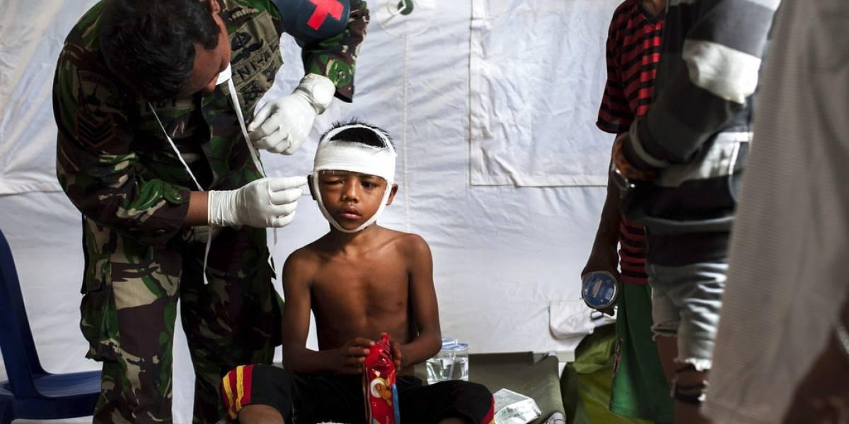 Réplicas dejan más de 300 muertos por sismos en Indonesia