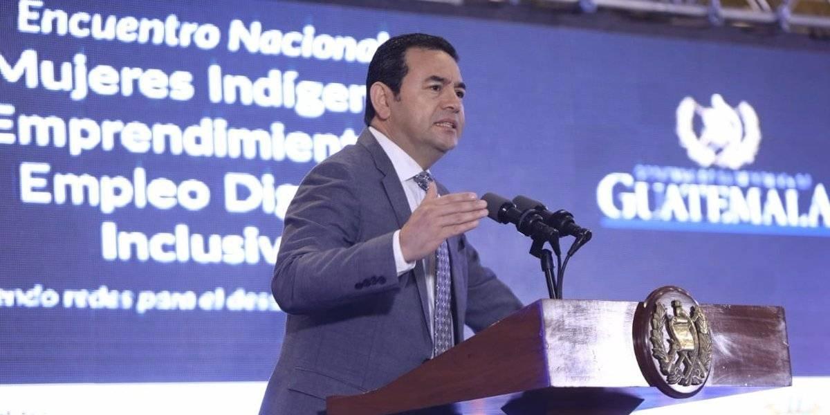 """Presidente Morales recuerda que vendía ropa usada y """"aguas"""" con su esposa"""
