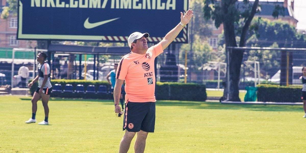 VIDEO: Así se ejercita 'El piojo' Herrera en el entrenamiento del América
