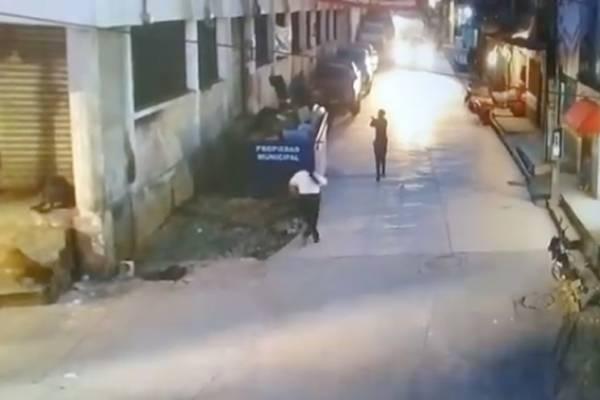 Mujeres policías copan a delincuente