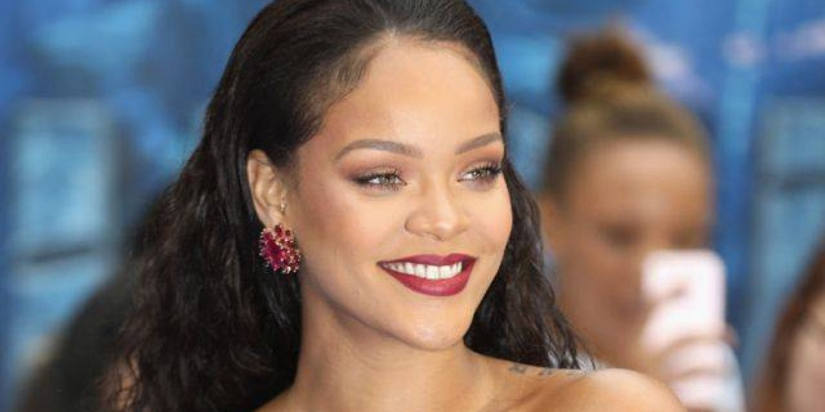 Universidad de Indias Occidentales investirá a Rihanna con título honoris causa