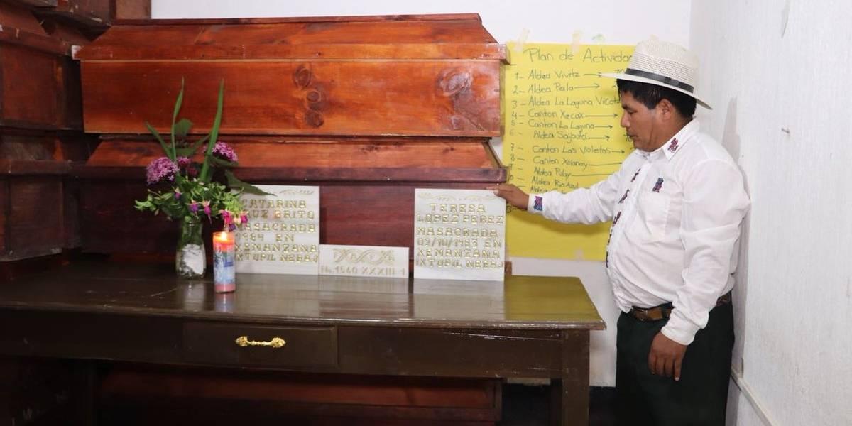 Entierran restos exhumados de 47 indígenas víctimas del conflicto armado interno