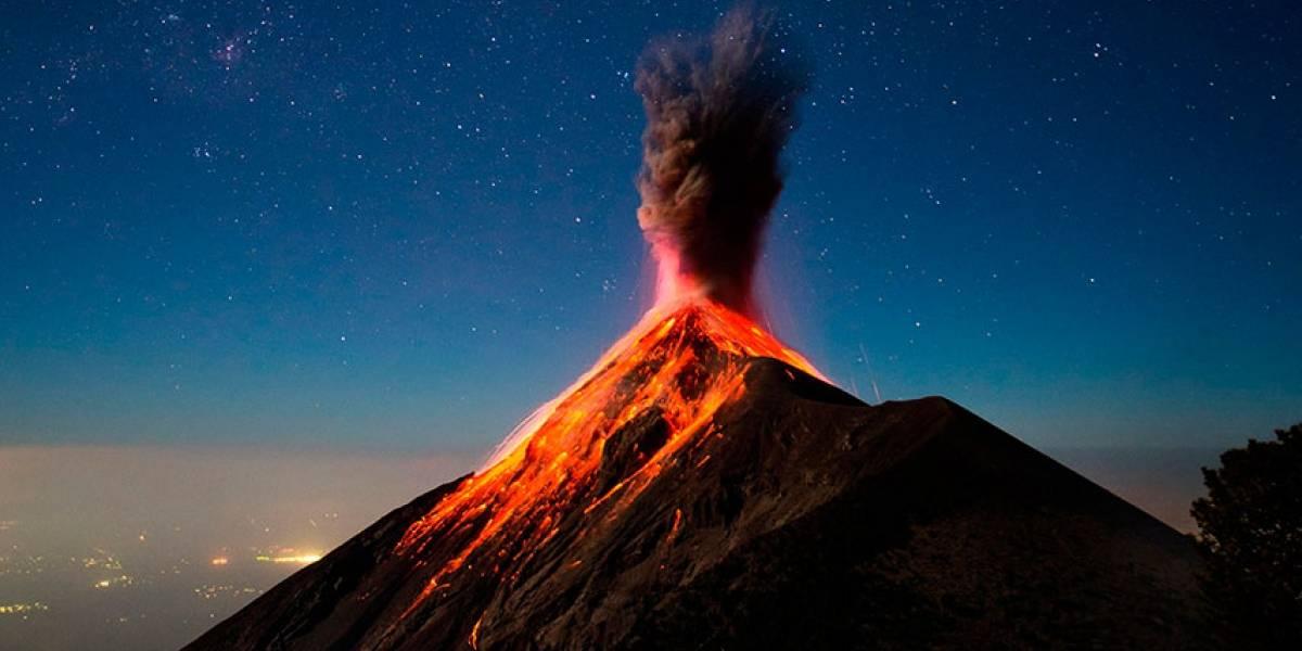 El Volcán de Fuego en Guatemala registra violenta explosión