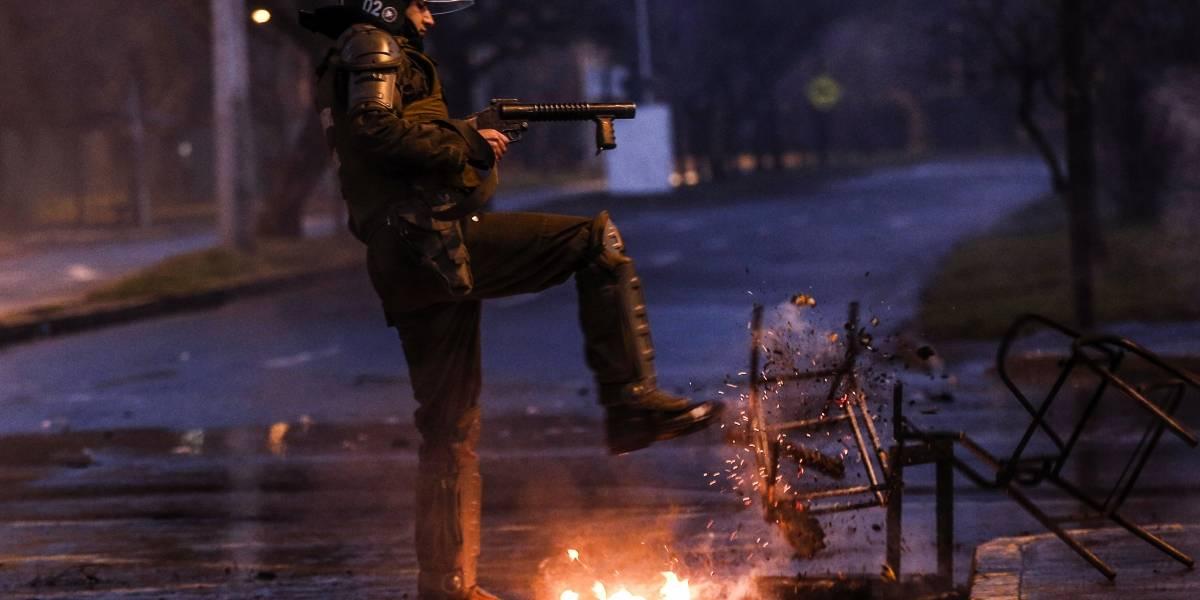 Carabineros investiga ataque incendiario a Transantiago en la comuna de Ñuñoa